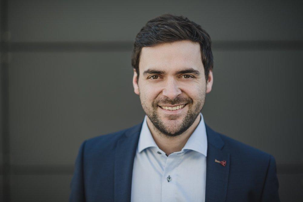 Experte Zinshaus Oberbayern Makler Anlageobjekt Johann Arnold Ansprechpartner Anlageimmobilie