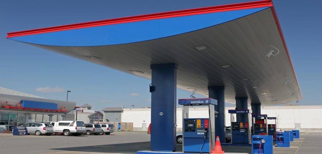 Tankstellen mit vier Zapfsäulen-Tankstellen gehören auch zum Assetclass im Portfolio von Zinshaus Oberbayern